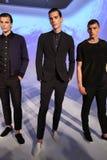NEW YORK NY - SEPTEMBER 03: Modeller poserar på den bad om presentationen Royaltyfria Bilder