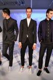 NEW YORK NY - SEPTEMBER 03: Modeller poserar på den bad om presentationen Royaltyfri Bild