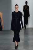NEW YORK, NY - 11 SEPTEMBER: Modelvanessa moody loopt de baan bij de Calvin Klein Collection-modeshow stock fotografie