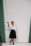 NEW YORK, NY - 8 SEPTEMBRE : Promenades de Carolina Herrera de concepteur la piste au défilé de mode de Carolina Herrera Photos stock