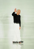 NEW YORK, NY - 12 SETTEMBRE: Passeggiate di Ralph Lauren del progettista la pista alla sfilata di moda di Ralph Lauren Fotografia Stock