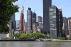 New York, NY, U.S.A. - 23 MAGGIO 2019 - vista di Manhattan di Midtown dal parco di libert? di Roosevelt quattro su Roosevelt Isla immagine stock libera da diritti