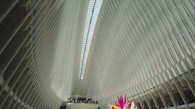 New York NY, USA Inre av World Trade Centertrans.navet En station av banadreven lager videofilmer