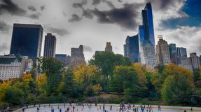 NEW YORK - 25 OTTOBRE 2015: Central Park in autunno con a Immagine Stock