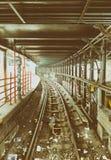 NEW YORK - 23 OTTOBRE 2015: Interno della stazione della metropolitana e Immagine Stock