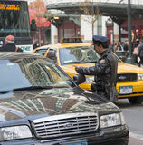 New York policeman and motorist Royalty Free Stock Photos