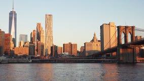 New York, ponte di Brooklyn al crepuscolo immagine stock libera da diritti