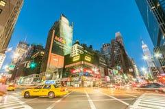 New York - SEPTEMBER 5, 2010: Times Square op 5 September in Nieuw Stock Foto's