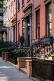 New York stad/USA - JULI 10 2018: Gamla byggnader av Brooklyn H Arkivbilder