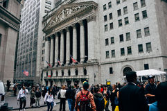 New York Stock Exchange op Wall Street in Manhattan stock foto's