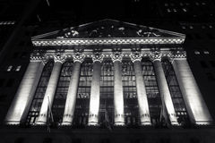 New York Stock Exchange par nuit Images libres de droits