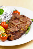 New York Strip Steak with Vegetables Royalty Free Stock Photos