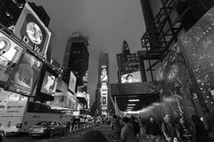 New York, Tijden regelt - de Tijdenvierkant van het Nachtverkeer, Uit het stadscentrum New York, Manhattan stock afbeeldingen