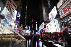New York Time Square na noite imagem de stock royalty free