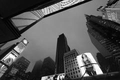 New York - Times Square próximos da skyline da noite, New York, Midtown, Manhattan Foto de Stock Royalty Free