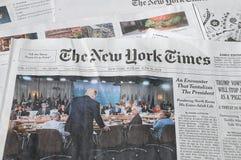 NEW YORK TIMES WEEKENDOWY KOSZTUJE $6 00 DOLARS usa Zdjęcia Stock