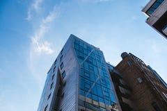 NEW YORK, U.S.A. - 22 GIUGNO 2017: Costruzioni corporative infinite, Midtown Manhattan, New York, Stati Uniti Fotografie Stock Libere da Diritti
