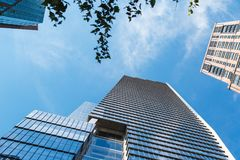 NEW YORK, U.S.A. - 22 GIUGNO 2017: Costruzioni corporative infinite, Midtown Manhattan, New York, Stati Uniti Fotografia Stock