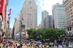New York, U.S.A. - 21 giugno 2017 - scena della via di New York City con la gente Fotografie Stock Libere da Diritti