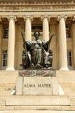 New York, U.S.A. - 25 maggio 2018: Statua di Alma Mater vicino al Columbi Immagine Stock Libera da Diritti