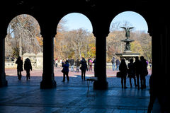 NEW YORK, US - 23. NOVEMBER: Detail von Bethesda Fountain-Engel herein Stockfotografie