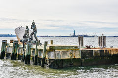 New York, USA Amerikanischer Kaufmann Mariners Memorial im Batterie-Park Lizenzfreie Stockfotografie