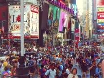 New York, USA - 27. Juli 2016 Times Square gedrängt Lizenzfreie Stockfotografie
