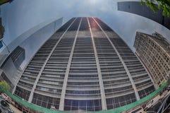 NEW YORK - USA - 13 JUNI 2015 byggnad nära frihetstorn och 9/11 Arkivfoto
