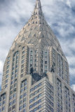 NEW YORK - USA - 11. Juni 2015 Chrysler, der New York am bewölkten Tag errichtet Lizenzfreies Stockfoto