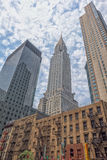 NEW YORK - USA - 11 JUNI 2015 chrysler som bygger New York på molnig dag Royaltyfri Foto