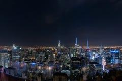 NEW YORK - USA - 13 JUNI 2015 - cityscape för panorama för New York City nattsikt Royaltyfri Foto