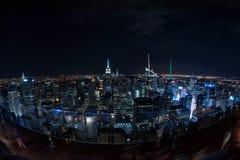NEW YORK - USA - 13 JUNI 2015 - cityscape för panorama för New York City nattsikt Royaltyfri Bild