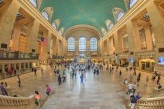 NEW YORK - USA - 11. Juni 2015 Grand Central -Station ist von den Leuten voll Lizenzfreies Stockfoto