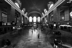 NEW YORK - USA - 11. Juni 2015 Grand Central -Station voll von Leuten Stockbild