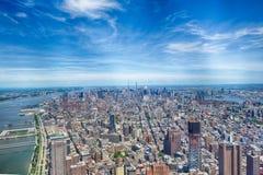 NEW YORK - USA - 13 JUNI 2015 manhattan flyg- sikt från frihetstorn Royaltyfri Fotografi