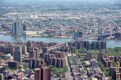 NEW YORK - USA - 13 JUNI 2015 manhattan flyg- sikt från frihetstorn Arkivbild