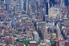 NEW YORK - USA - 13 JUNI 2015 manhattan flyg- sikt från frihetstorn Arkivbilder