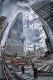 NEW YORK - USA - 13 JUNI 2015 personer nära frihetstorn och 9/11 Royaltyfri Bild