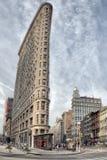 NEW YORK - USA - 11. Juni 2015 Plätteisen, das HDR-Vertikalenansicht aufbaut Stockfotografie