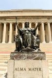 New York, USA - 25. Mai 2018: Alma Mater-Statue nahe dem Columbi Stockfoto