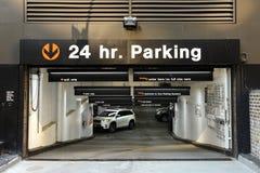 New York, USA - 24. Mai 2018: Autos im Ikonen-Parken in Midtow Stockfoto