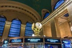 New York USA - mars 28, 2018: Den berömda klockan i den hal strömförsörjningen Arkivfoto
