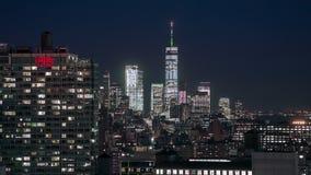New York USA -, May 2018: Sikt Timelapse, frihetstorn för tak för Manhattan midtownnatt lager videofilmer