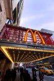 McDonald's på den 42nd gatan New York Arkivfoto