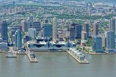 NEW YORK - USA - 13 nya JUNI 2015 - ärmlös tröjamanhattan flyg- sikt från frihetstorn Royaltyfria Foton
