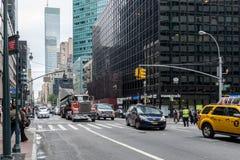 NEW YORK, USA - 26. SEPTEMBER 2013: Verkehr auf Lexington-Allee Stockfotos