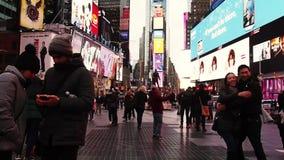 New York, Vereinigte Staaten - Leute in der homosexuellen Parade New York stock video