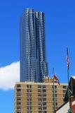 New York vid Gehry - New York City arkivfoton