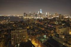 New York vid natten - ny WTC i blått Royaltyfri Bild