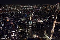 New York vom Himmel nachts stockfotos